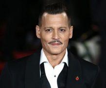 Джонни Депп атаковал помощника на съемках фильма — СМИ