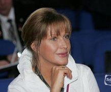 65-летняя Проклова ответила на критику внешности, опубликовав фото в сауне
